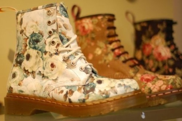 shoes flowers boots cute floral DrMartens