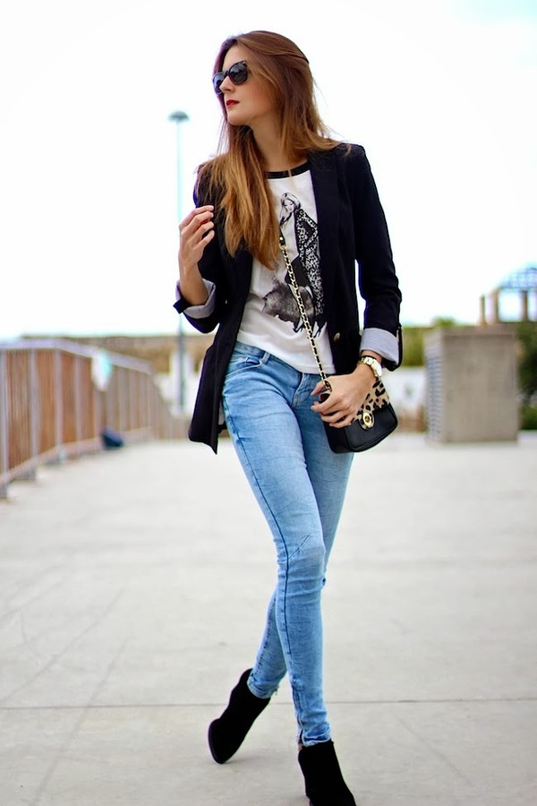 marilyn's closet blog t-shirt jeans bag jacket shoes