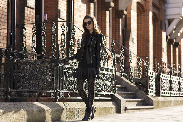 anouska proetta brandon jacket dress jewels bag shoes