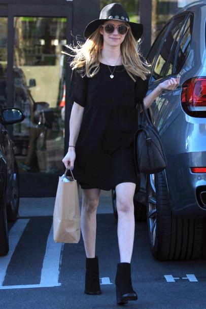hat dress emma roberts sunglasses