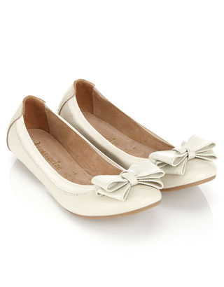 Betsy Bow Leather Ballerina | Cream | Accessorize