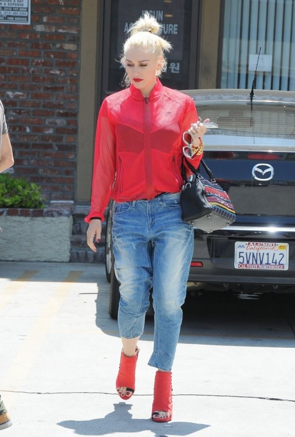 jeans gwen stefani shoes jacket bag nike celebrity style red jacket red shoes h&m louboutin nike jacket