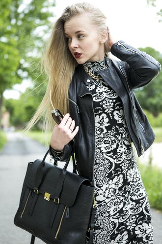 cablook bag dress jacket shoes jewels sunglasses