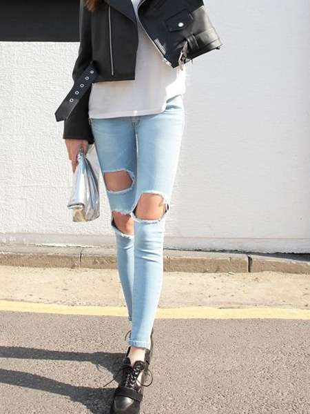 Elastical Slim Jeans with Ripped Knee | Choies