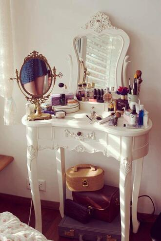 nail polish dressing table make-up home decor vintage decor home furniture home accessory jewels cute bedroom white makeup table mirror girly vintage vanity mirror