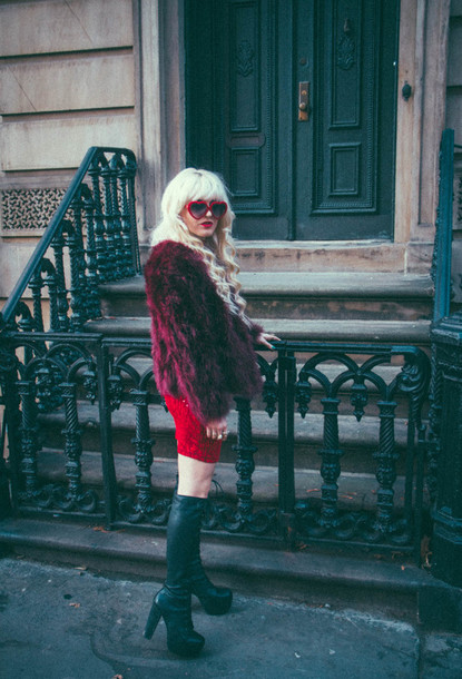 blogger red dress heart sunglasses dress sunglasses red burgundy fall outfits indie grunge rock vintage
