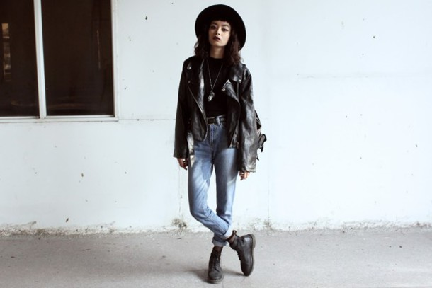 bloody rosess blogger soft grunge rock mom jeans leather jacket jeans