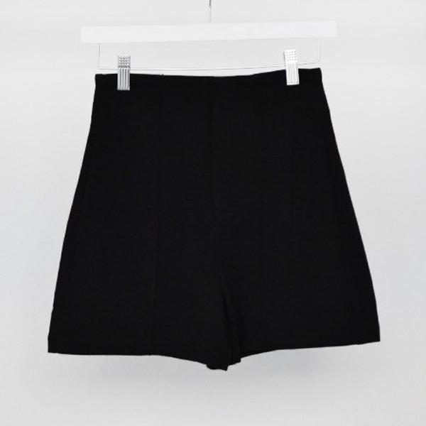Victoria Kills Shorts | Vanity Row
