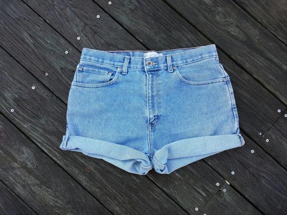 Plus Size High Waisted Denim Shorts Cutoffs door TomieHarleneVintage