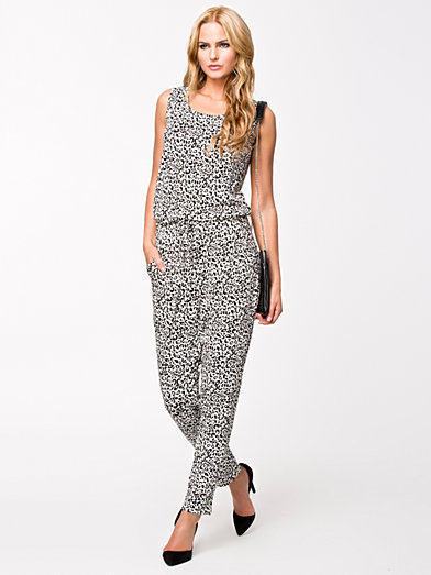 Hana Jumpsuit - Soaked In Luxury - Pattern - Jumpsuit - Clothing - Women - Nelly.com Uk