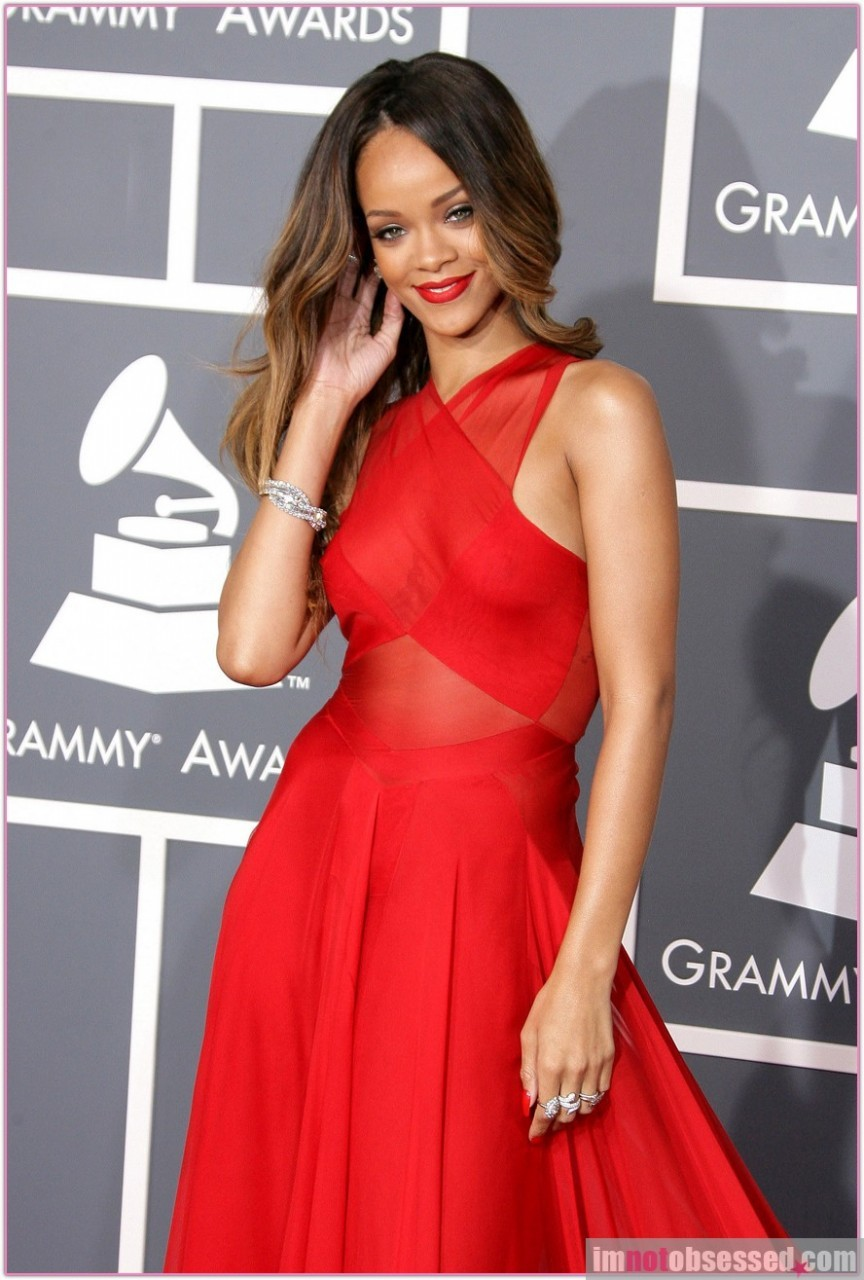 2013 New Fashion Hot Red Halter Neckline Chiffon Famous Rihanna Dress-in Celebrity-Inspired Dresses from Apparel & Accessories on Aliexpress.com