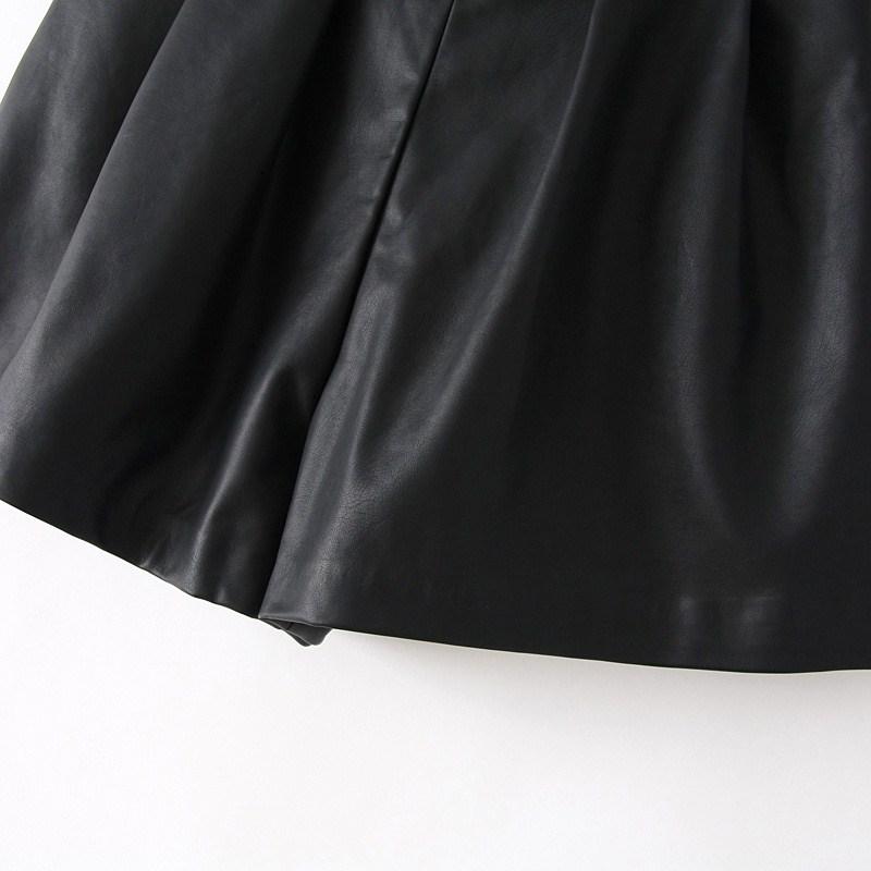 Black Elastic Waist Pockets PU Shorts - Sheinside.com