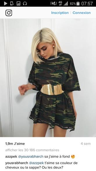 belt kylie jenner style green dress military style blonde hair waist belt t- shirt dress military print golden belt big belt