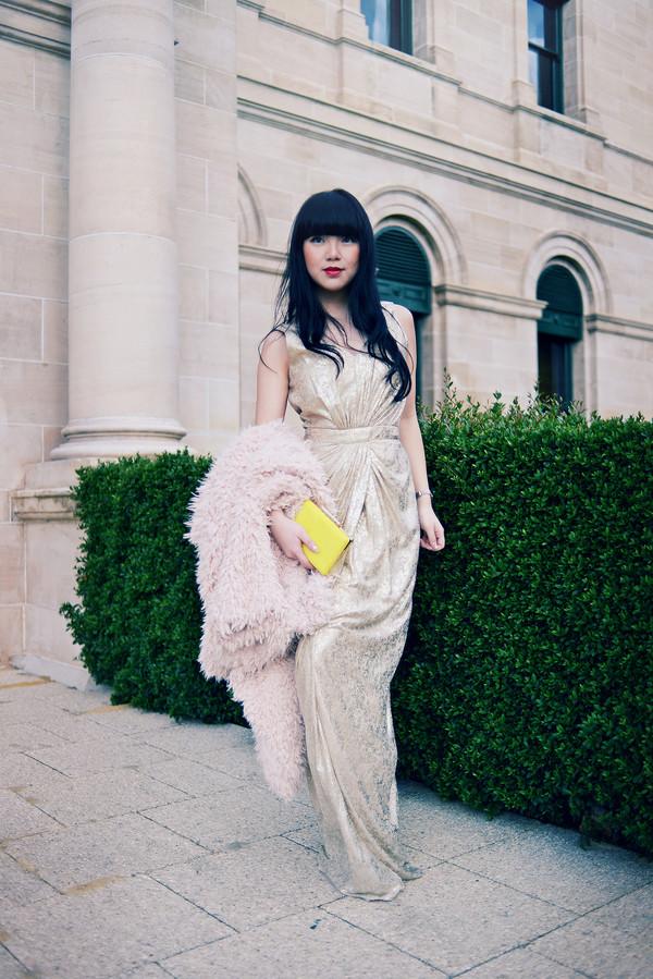 pale division make-up coat dress bag