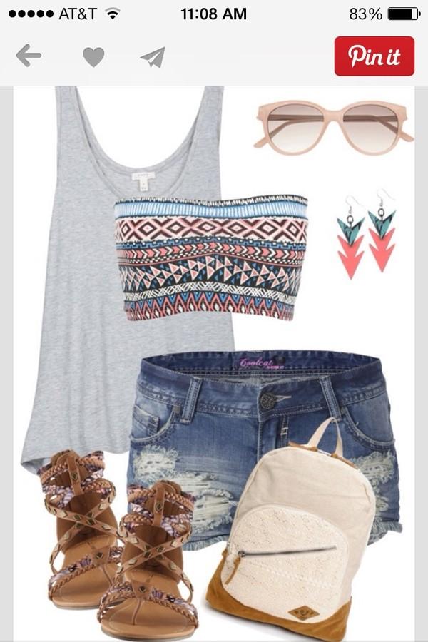 shorts shirt shoes jewels bag tank top sunglasses t-shirt