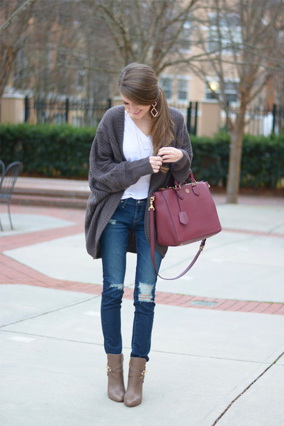 southern curls and pearls blogger t-shirt ripped jeans handbag knitted cardigan