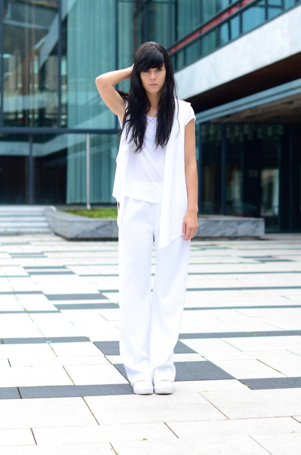 lovely by lucy pants t-shirt jacket shoes jewels