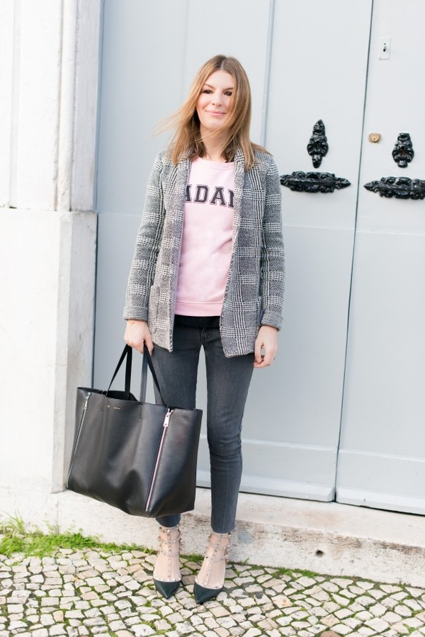 the working girl jeans shoes bag jewels t-shirt jacket