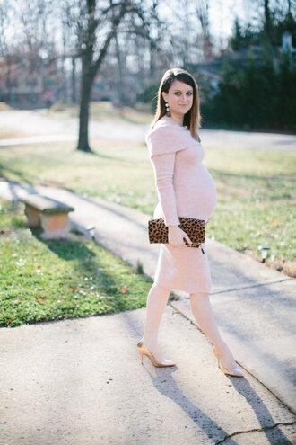 polishedclosets blogger dress shoes bag jewels sweater dress knitted sweater maternity dress animal print clutch high heel pumps pumps