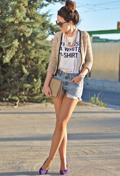 t-shirt black and white t-shirt denim shorts nude cardigan violet shoes pearls necklace nude clutch cardigan shorts shoes jewels