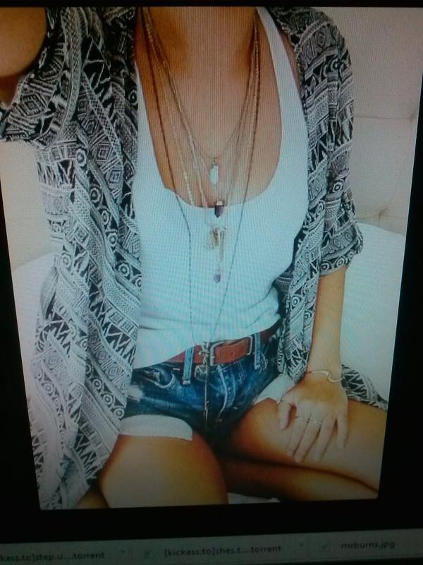 blouse indie black n white
