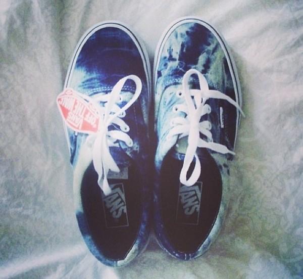 shoes vans baskets blue blue vans blue shoes skater skate shoes skateboard