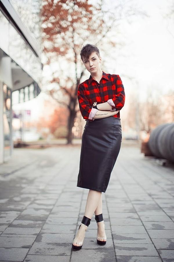 natalie's fashion workshop shoes skirt coat shirt jewels