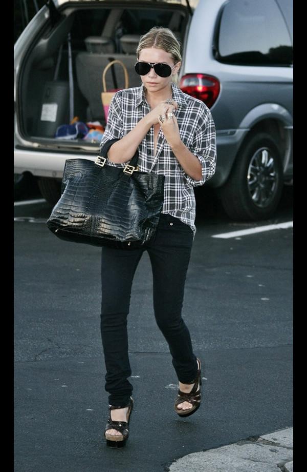 olsen sisters top bag sunglasses shirt jewels jeans