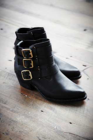jeffrey campbell womens buckle back ankle boot