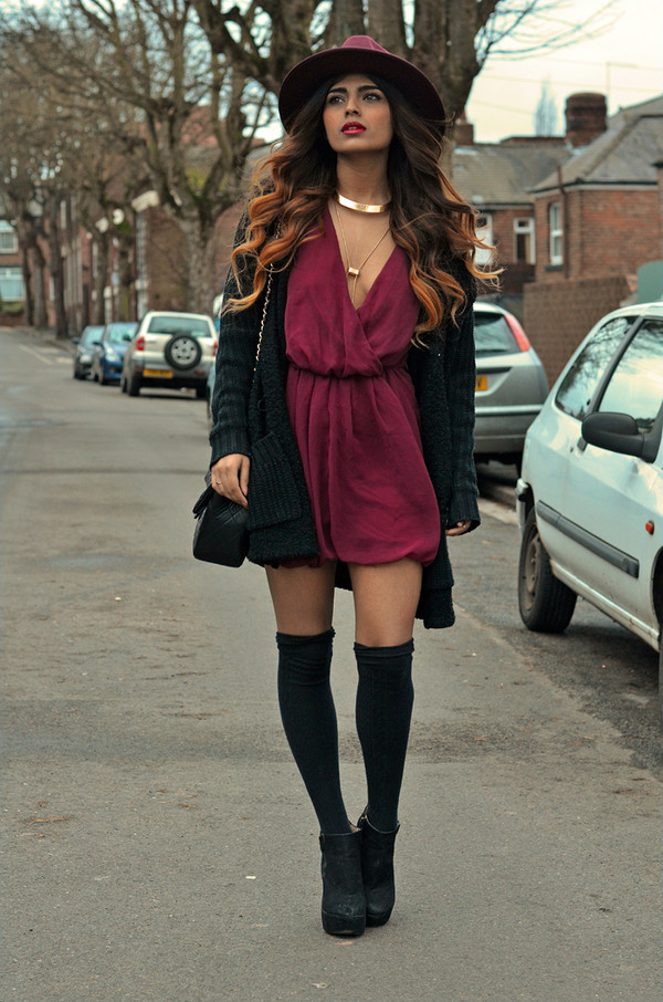 she wears fashion shorts sweater jewels dress