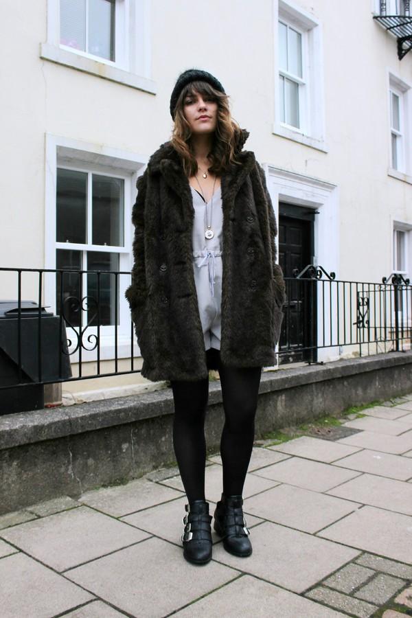 the little magpie coat shorts hat shoes