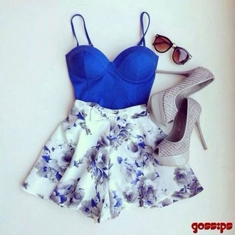 bandeau shirt tank top blue half shirt shoes heels skirt flower pattern skater skirt floral print skater skirt royal blue crop top floral crop tops royal blue sunglasses top blue floral dress blue skirt floral skirt jumpsuit blue shirt flowered shorts blue grey party cute sexy shorts blouse outfit style fashion skirts and tops high heels necklace bustier summer outfits floral stylish purple luxury dress flowers flower skirt shirt floral dress blue with flowers dress blue floral dark blue spring skirt floral skater skirt blue and white shorts romper white skirt blue top blue corset flower blue white white shorts evening outfits party dress