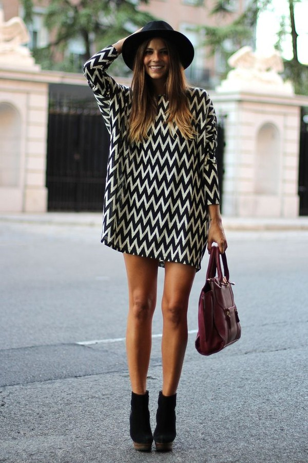 dress shoes bag hat printed knit dress fashion chevron chevron dresses sweater zig zag long jumper wool black and white cheveron chevron shirt babydoll dress tunic dress cute outfits cute outfits black white lovely love more classy