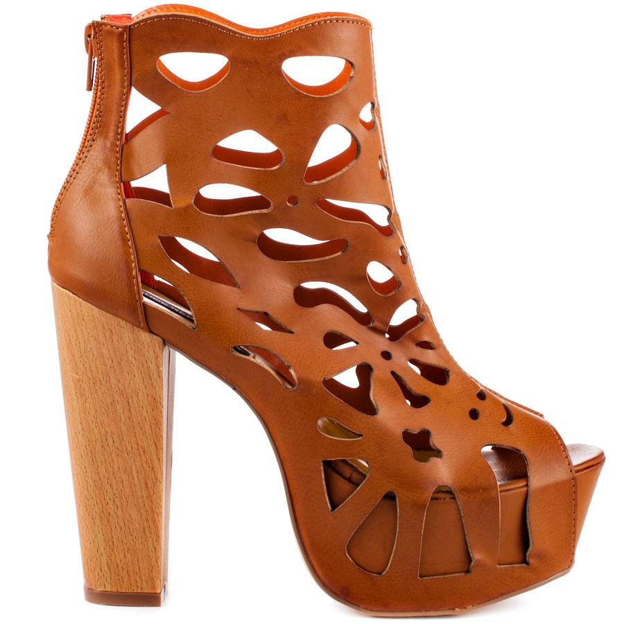 Versa - Tan, Shoe Republic, 59.99, FREE 2nd Day Shipping!