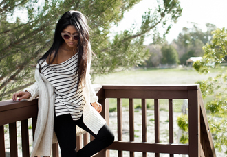 blogger top jeans jewels walk in wonderland cardigan