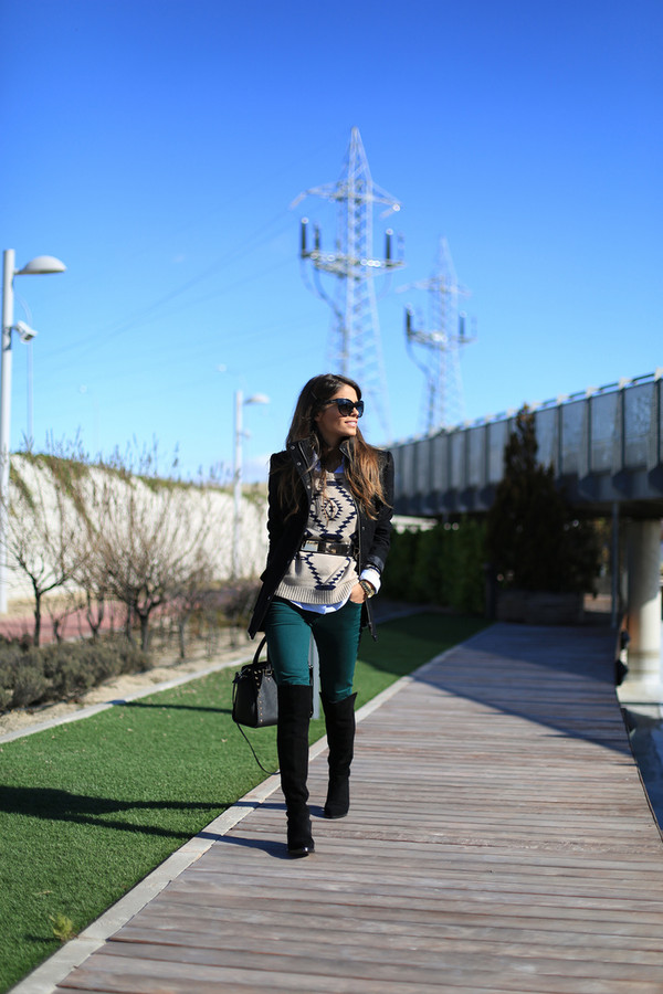seams for a desire coat sweater shirt jeans shoes sunglasses jewels belt bag