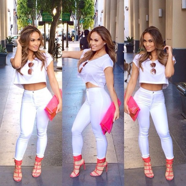 jeans white outfit pink heels clutch casual summer outfits bag