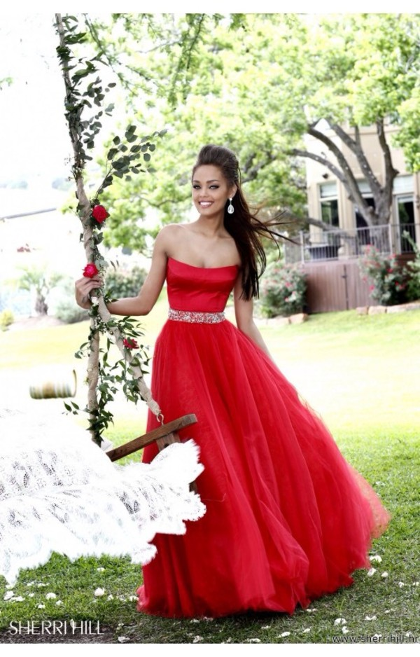 dress maxi dress red maxi dress long red dress long prom dress red long prom dress stunning dress sherri hill sherri hill long dress beautiful red dress dress beautiful amazing amazing dress glitter a line dress a-line prom dress a-line princess princess dress tulle dress tulle skirt velvet velvet dress red evening outfits red dress ball gown dress prom gown any colour red prom dress prom dress strapless