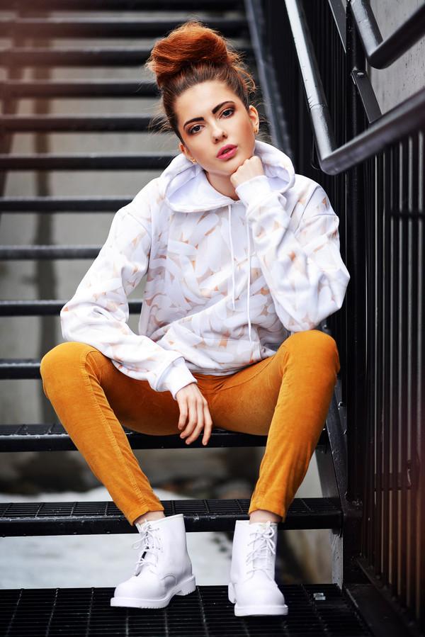 ebba zingmark sweater pants shoes jewels