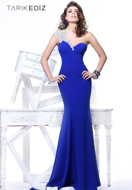 dress hourglass one shoulder