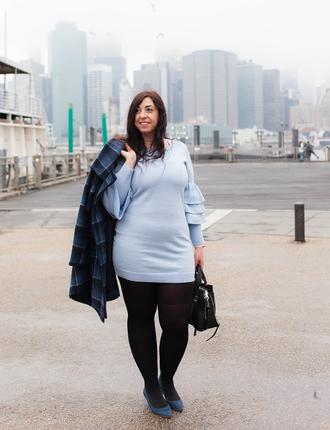 effortlessanthropologie blogger sunglasses coat dress bag tights shoes jewels