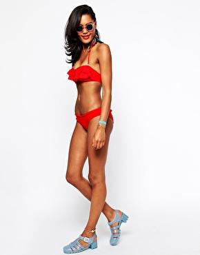 River Island – Bikini mit Waffelmuster in Rot bei ASOS