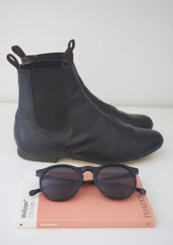 sunglasses boots black black boots hipster tumblr black sunglasses shoes