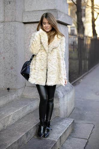 mariannan blogger bag leather pants faux fur coat beige fluffy coat black leather pants black pants fuzzy coat fluffy black bag black boots flat boots