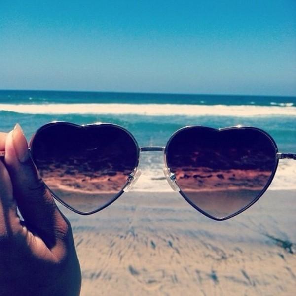 sunglasses heart heart sunglasses spring break beach heart shaped black cute girl sea heart sunglasses sun fashion vintage top
