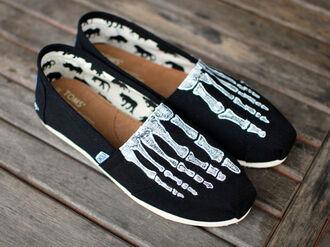 shoes toms skeleton skeleton hands custom toms halloween