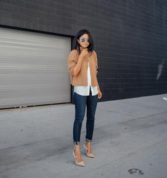 walk in wonderland blogger top shirt jeans shoes