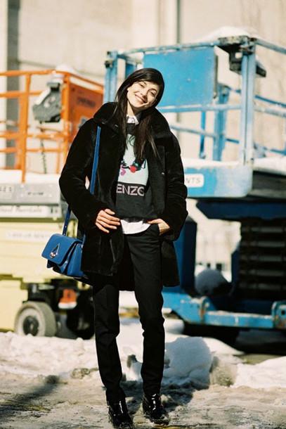 vanessa jackman blogger coat jacket sweater shoes black fur coat