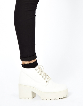 Vagabond | Vagabond Dioon White Ankle Boots at ASOS