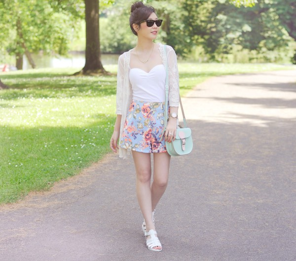temporary secretary shorts bag tank top top shoes jewels sunglasses flowered shorts